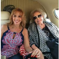 La hermana del fundador de Teletón México, presume viaje en avión privado