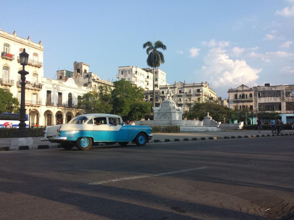 Habana, Cuba by Julio Roa