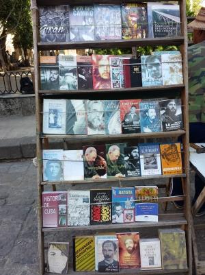 """""""Librería al aire"""" Habana: by Julio Roa"""