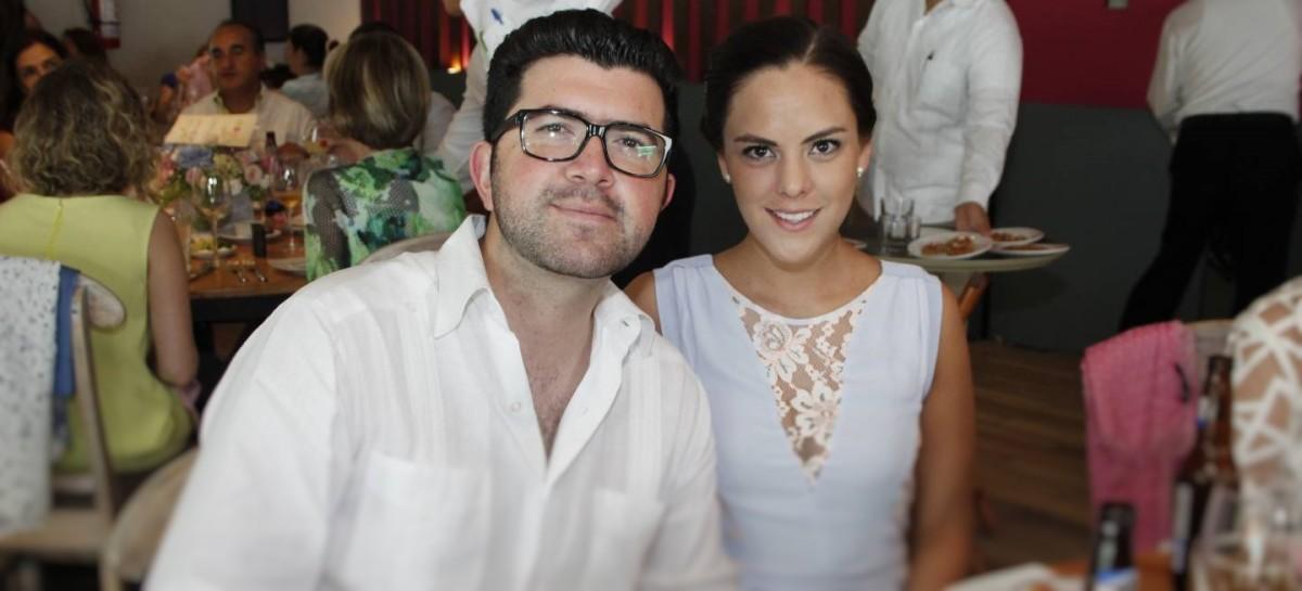 Amores con Cargo al Erario; Pareja del Hijo del Secretario Gerardo Ruiz Esparza, Tiene Sueldazo